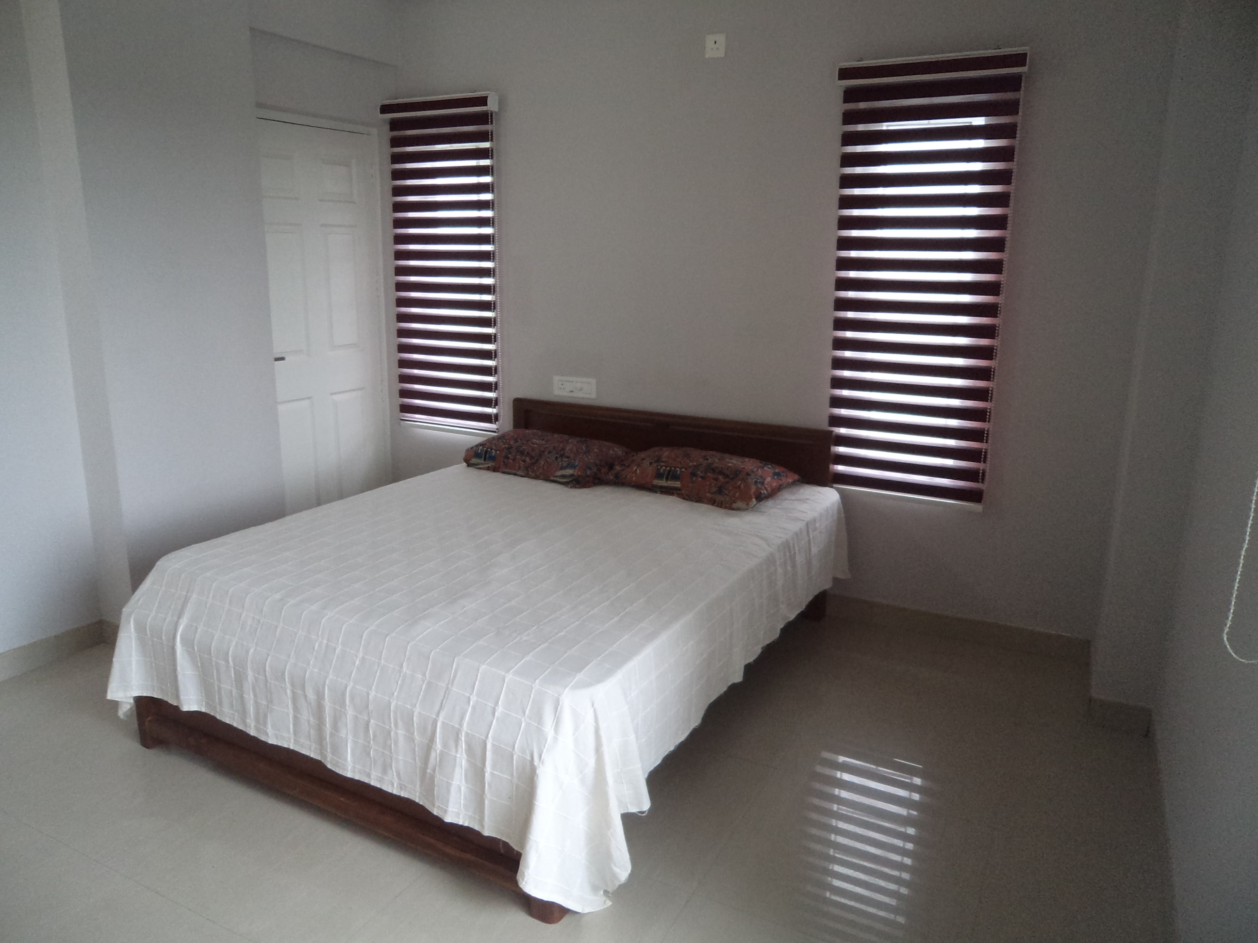 3 bedroom furnished flat for ome month rent in kottayam